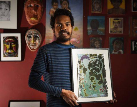 Artist shows off artwork